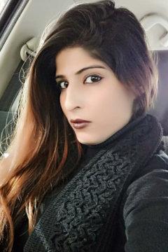 Manisha - Model in Delhi | www.dazzlerr.com