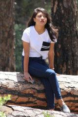 Dazzlerr - Padma Model Delhi