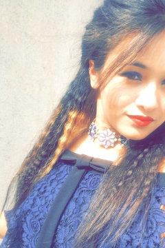 Shivani - Model in Delhi   www.dazzlerr.com