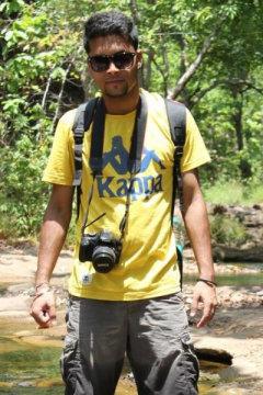 Abhishek Chatterjee - Photographer in Delhi   www.dazzlerr.com