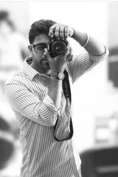 Chattrapal Singh - Photographer in Delhi   www.dazzlerr.com