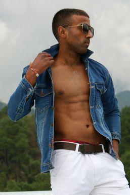 Rahul Vohra - Model in  | www.dazzlerr.com