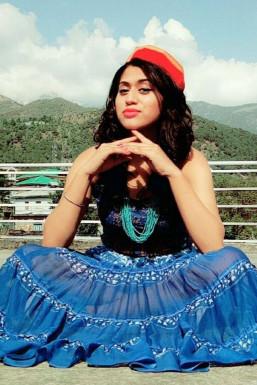 Dazzlerr - Aaliya Rajput Model Dharamshala