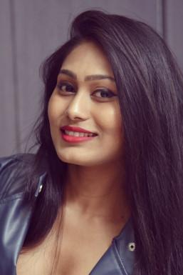 Dazzlerr - Neha Shastri Model Delhi