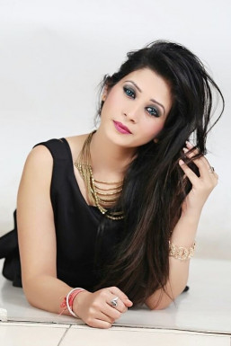 Sangeeta Thakur - Model in Chandigarh   www.dazzlerr.com