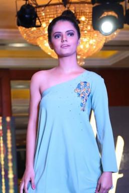 Neelu Raj Sharma - Model in Mumbai | www.dazzlerr.com