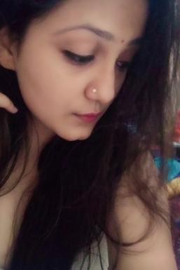 Dazzlerr - Shabnam Manhas Model Kangra