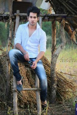 Manish Wabka Actor Pune