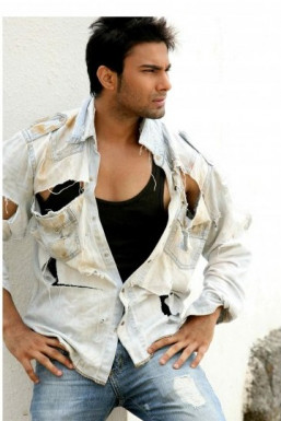 Dazzlerr - Abhinav Kapoor Model Mumbai