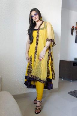 Dazzlerr - Nilofar Gesawat Model Mumbai
