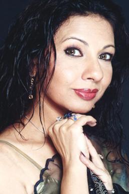 Dazzlerr - Veena Dhandhia Model Mumbai