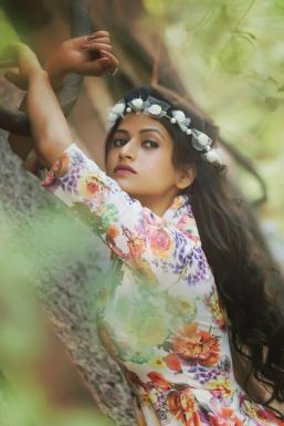 Dazzlerr - Sanaya Singh Model Mumbai