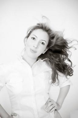 Dazzlerr - Angela Momandian Model Mumbai