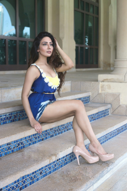 Dazzlerr - Rinky Pamnani Model Mumbai