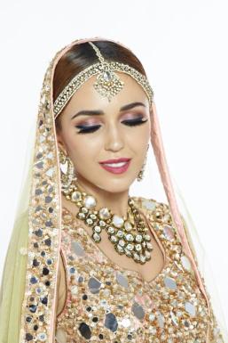 Leysan - Model in Mumbai | www.dazzlerr.com