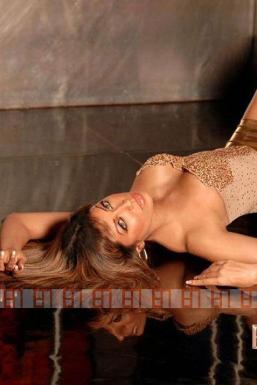 Dazzlerr - Pooja Model Mumbai