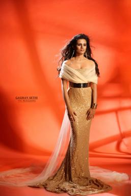 Dazzlerr - Nisha Mavani Model Mumbai