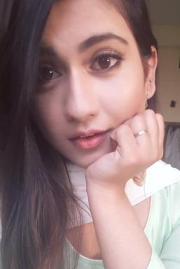 Shifa Khan - Model in Mumbai | www.dazzlerr.com