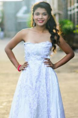 Dazzlerr - Ishani Tyagi Model Mumbai