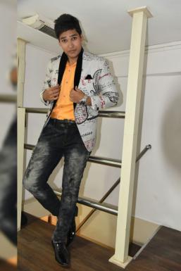 Dazzlerr - Ayush Agrawal Model Mumbai