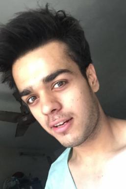 Dazzlerr - Kabir Singh Model Mumbai