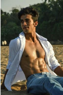Dhruvil Shah - Model in Mumbai   www.dazzlerr.com