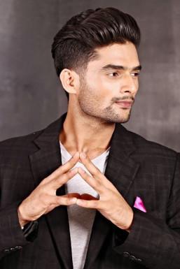Vivek Naithani - Model in Mumbai   www.dazzlerr.com