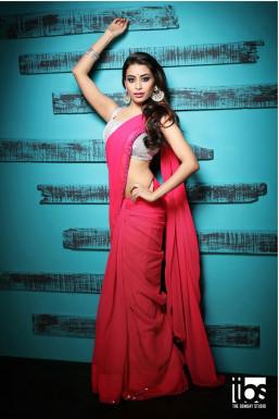Dazzlerr - Trisha Choudhury Model Mumbai