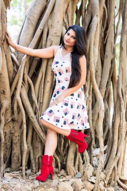 Dazzlerr - Charu Srivastava Model Mumbai