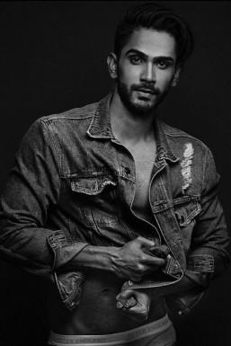 Jitesh Nikam Model Mumbai
