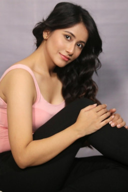 Dazzlerr - Shyama Shree Sherpa Model Gangtok