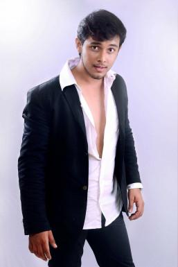 Akshay Kelkar - Model in Mumbai | www.dazzlerr.com