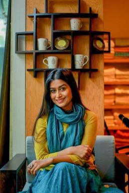 Dazzlerr - Manisha Saxena Model Mumbai