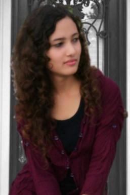 AAHNA CHAUHAN - Model in Mumbai   www.dazzlerr.com