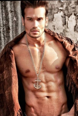 Dazzlerr - Sandyy Singh Model Mumbai