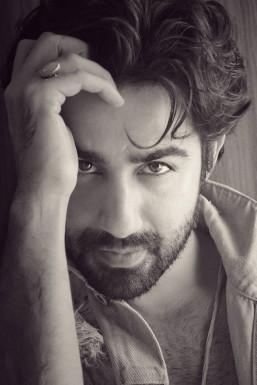 Naveen Pandit Model Mumbai