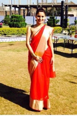 Dazzlerr - Dipika Pandey Model Mumbai