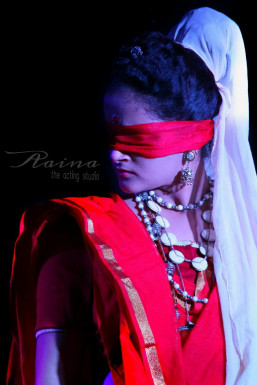 Dazzlerr - Akanksha Juyal Model Mumbai