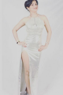 Dazzlerr - Angelina Model Mumbai