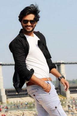 Dazzlerr - Rutvik Patel Model Mumbai