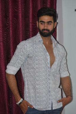 Dazzlerr - Mayank Bhatia Model Mumbai