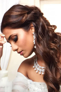 Dazzlerr - EktaThakur Model Mumbai