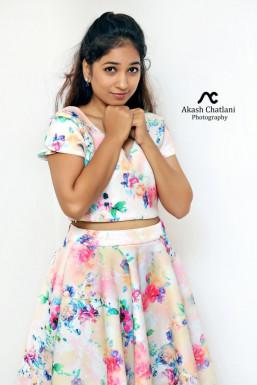 Dazzlerr - Manisha Dodle Model Mumbai