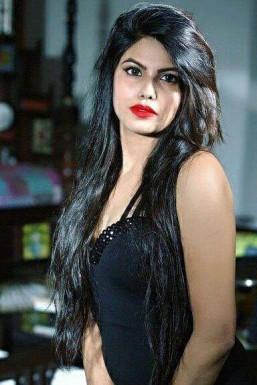 Dazzlerr - Divya Burman Model Mumbai