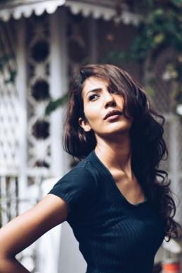 Dazzlerr - Divyani Model Mumbai