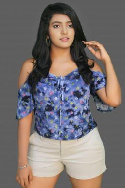 Dazzlerr - Alisha Thakur Model Mumbai