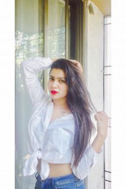 Dazzlerr - Adwiti Singh Model Mumbai