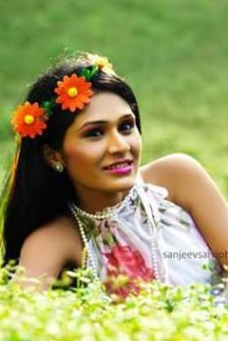 Dazzlerr - Amita Vishnu Model Mumbai