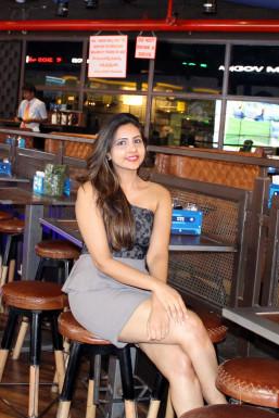 Dazzlerr - SAKSHI KATARIYA Model Mumbai