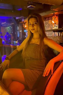 Atqiya Khan - Model in Delhi   www.dazzlerr.com